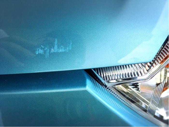 台風被害で車についた擦り傷