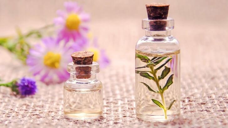 【男女ウケ抜群】「金木犀(キンモクセイ)」の香水おすすめ5選