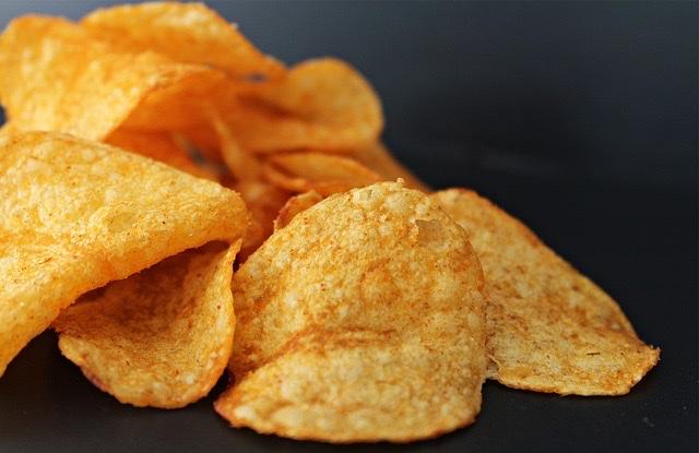 太る高カロリーな食べ物ランキング/第1位:ポテトチップス