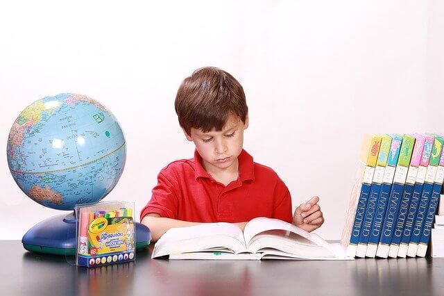 読書の効果・メリット02. 知識が増えて頭がよくなった