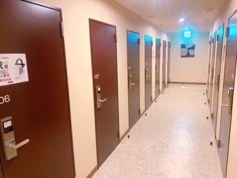 快活クラブl鍵付き防音個室の入り口